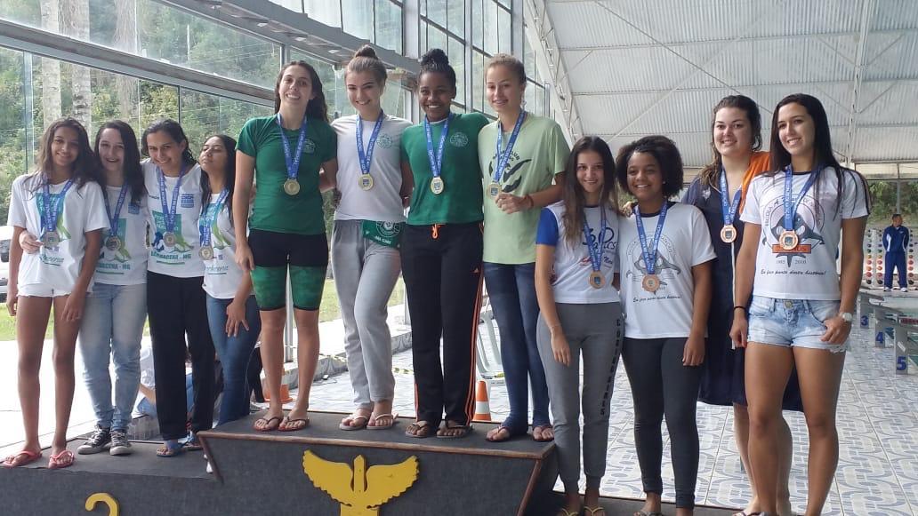 Read more about the article A equipe de natação esteve no último final de semana participando da Copa Rei em Barbacena